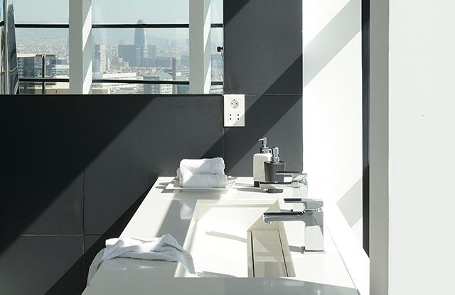 Zania_design_atico_cocinas_Barcelona_diagonal_mar_mobiliario_proyectos_03